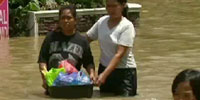 Hundreds die, thousands displaced in Philippines floods
