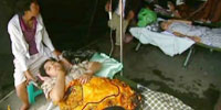 Makeshift hospitals emerge after Indonesian quake